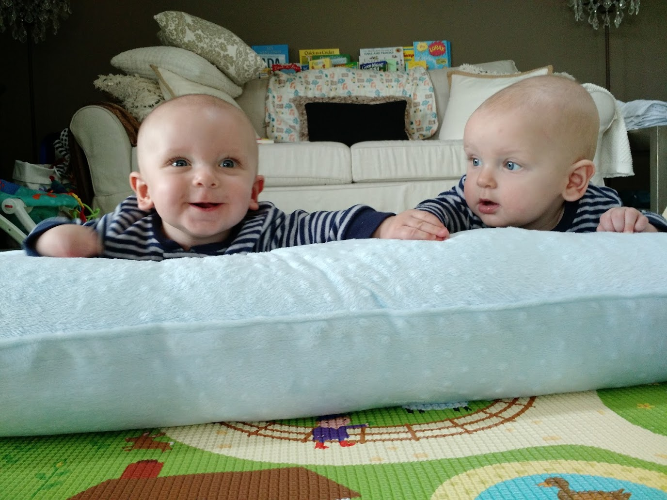 Top 5 Tummy Time Alternatives For Twins