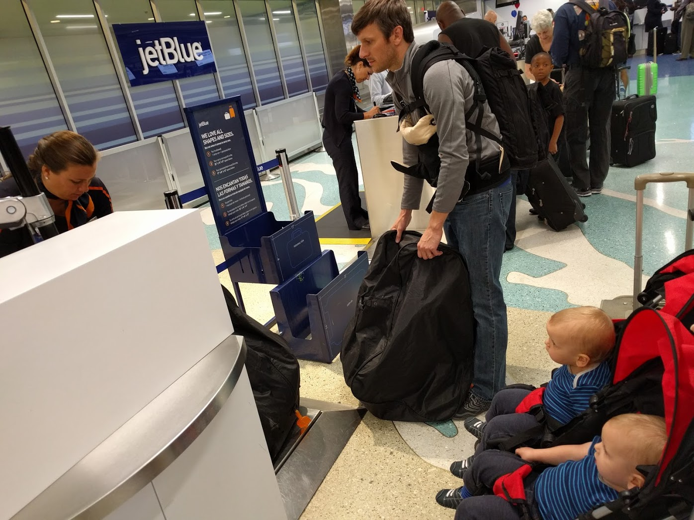 Flying on Airplanes with Twin Toddlers - Snacks, Entertainment, and ...