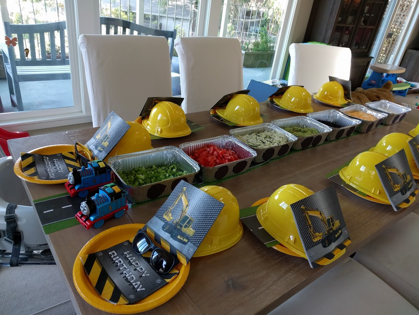 Train And Construction Themed Birthday Table TOYS